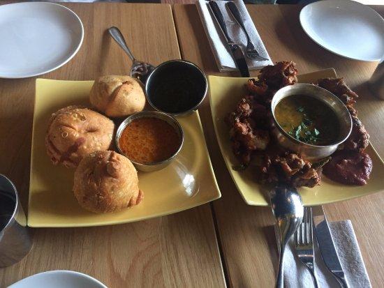 Vij's Rangoli: Different Samosas to taste, cauliflower/spinach pakoras