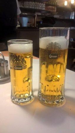 Restaurant Goldenes Dachl: オーストリアンビール