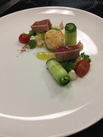 Nottwil, Sveits: Tuna, Jakobsmuschel, Wakame, Kartoffel