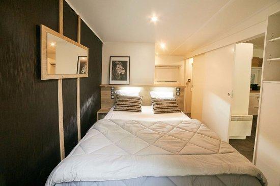 Chambre des parents d\'un mobile home Kosy modèle Taos 4 ou 6 ...