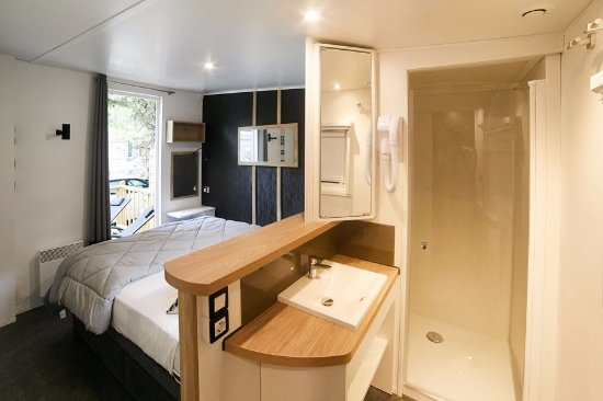 Terrasse d\'un mobile home Kosy modèle Keywest 5 ou 6 ...