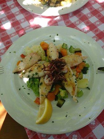 Leoben, Austria: Gegrillte Calamari