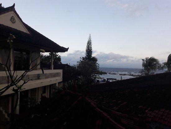 Bali Shangrila Beach Club : TA_IMG_20170712_175714_large.jpg