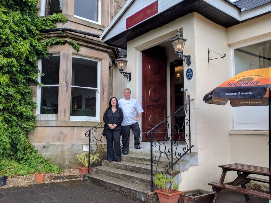 Kilcreggan, UK: Owners Jane Kerr and Bryan Burch, brother and sister team, have recently taken over the hotel.