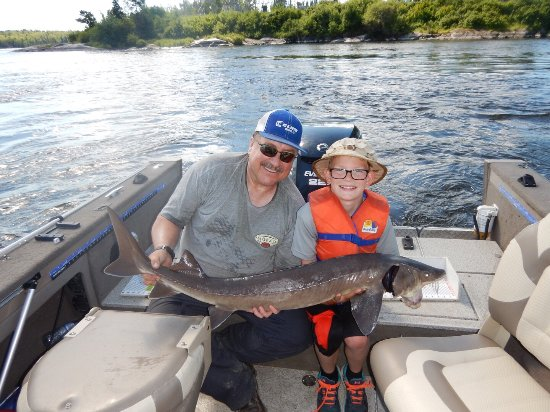 Selkirk, Kanada: Cat Eye Manitoba Fishing