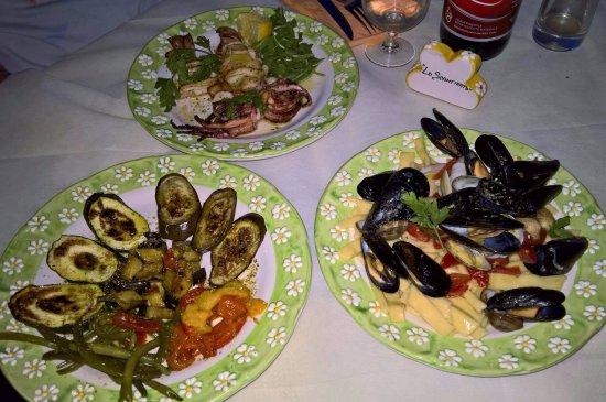 Schiazzano, Italy: Scialatielli fatti in casa e un ottimo calamaro alla brace.