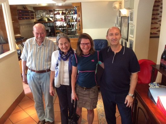 Bagshot, UK: Goodwin Family with Mario, love it here