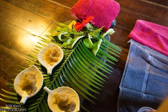 Qamea Island, Fiji: Salt scrub choices at the jungle spa