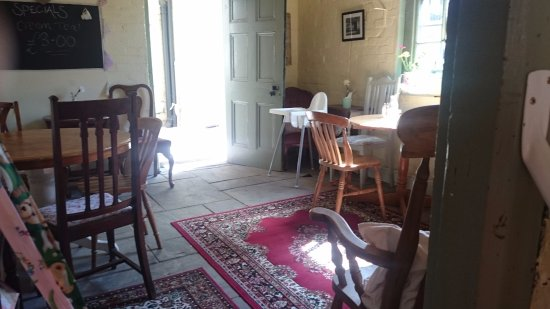 Whitchurch, UK: Another room to sit
