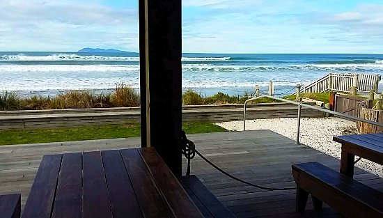 Waihi Beach, Nowa Zelandia: beach view from inside