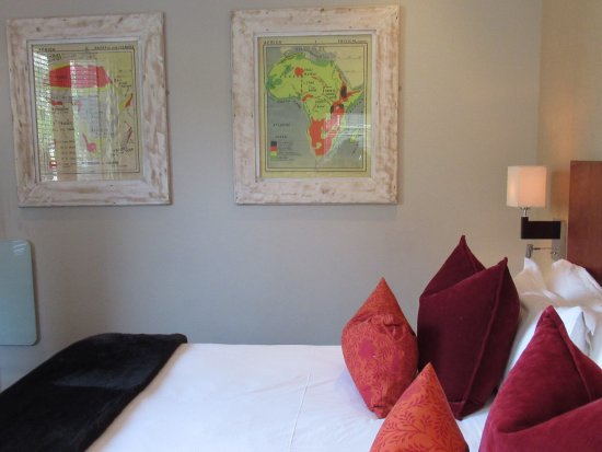 The Peech Boutique Hotel: The Artwork & deco reflects a little of the African culture
