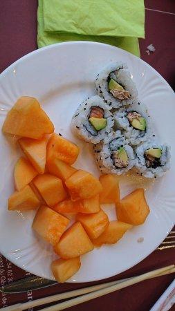 Saint-Marcel, Γαλλία: Sushi et Melon, exemple du buffet