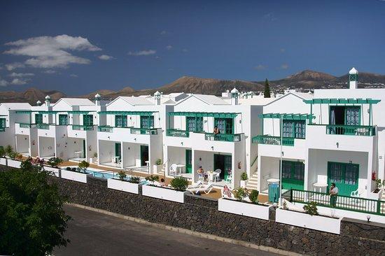 Europa apartamentos lanzarote puerto del carmen hotel for Apartamentos europa