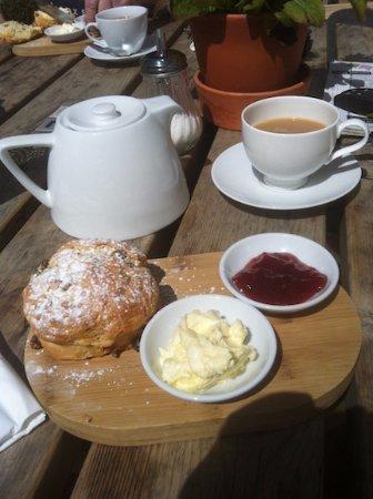 Yate, UK: Scones and a pot of tea