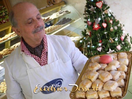 Excelsior Dessert Pasticceria De Luca : Maestro..