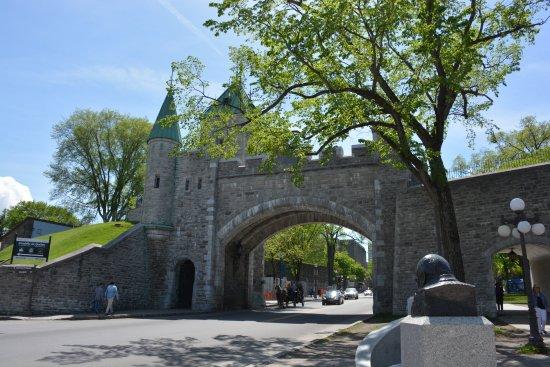 Picture of st louis gate porte st louis quebec city for Porte st louis