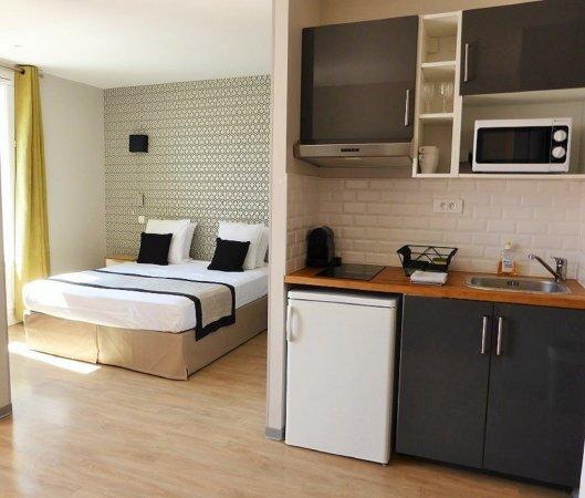 Ajoupa Apart'hotel Nice: Suite Junior