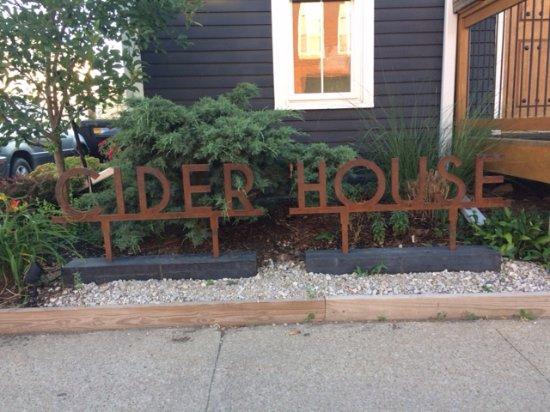 Fairfield, IA: Cider House Sign 2