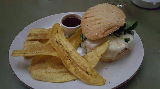 Noah Restaurant & Lounge: Chicken burger