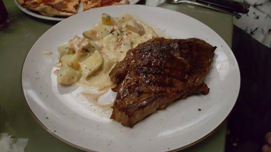 Noah Restaurant & Lounge: Steak