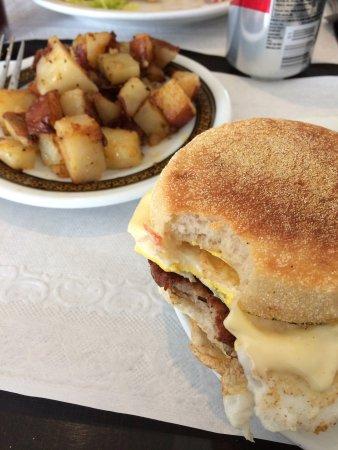 Blue Plate Diner: Sausage egg and LOTS of cheese!