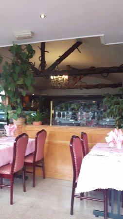 Etampes, France : salle de restaurant