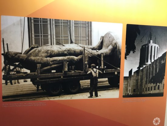 """Oregon State Capitol: Transporting """"The Pioneer Man"""""""