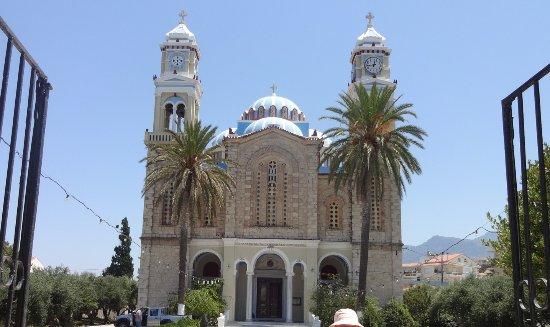 Karlovasi, Greece: Kostel Agios Nikolaos