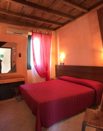 Tromello, Italy: camera matrimoniale