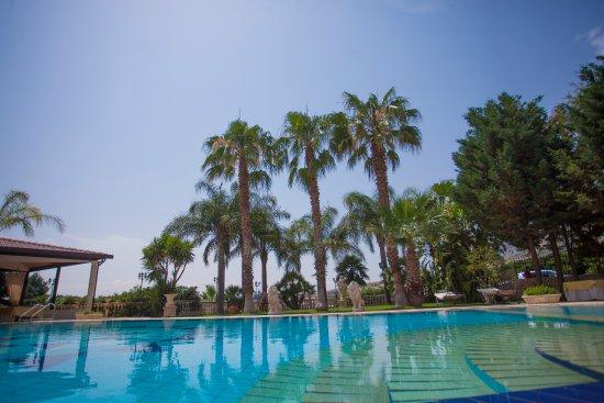 Castel di Judica, Italy: la nostra piscina