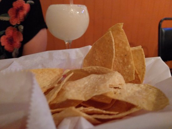 Findlay, OH: chips and bland margarita