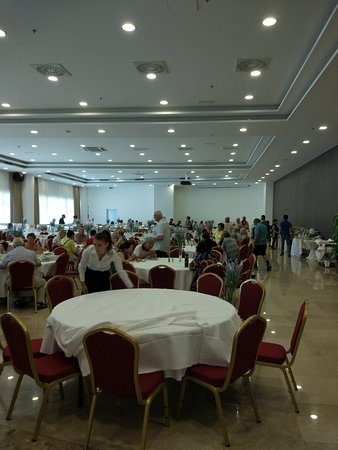 Dugopolje, كرواتيا: Hotel Katarina lobby, entrance and breakfast dining area