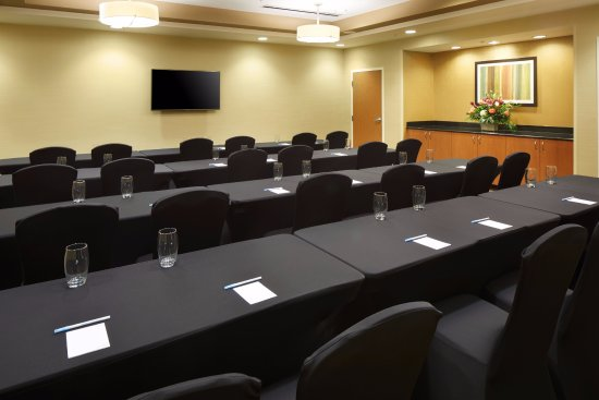Cumberland, MD: Concord Meeting Room- Classroom Setup