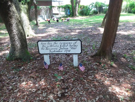 Beaufort, North Carolina: Earliest graves
