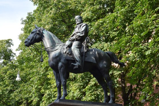 The 10 closest hotels to monument to giuseppe garibaldi for Hotel bologna borgo panigale