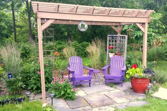 Interlaken, NY: Garden Pergola - perfect for sipping wine
