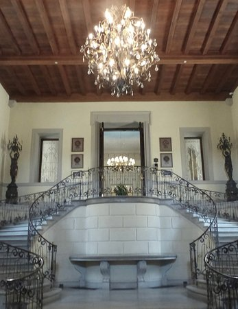 Huntington, NY: Main staircase at the entrance of the castle