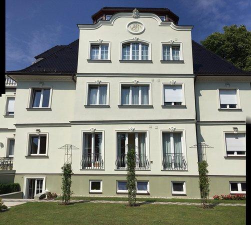 Villa Salzburg Dresden Wohndesign: Prices & Guest House Reviews
