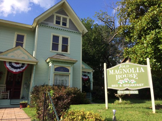 Old Magnolia House Bed And Breakfast B B Reviews Paris