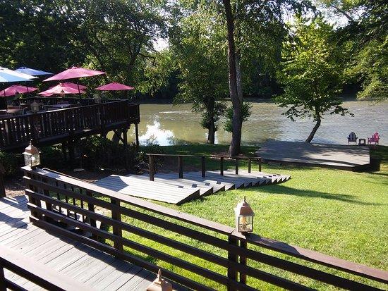 Morganton, Carolina del Norte: View from our table