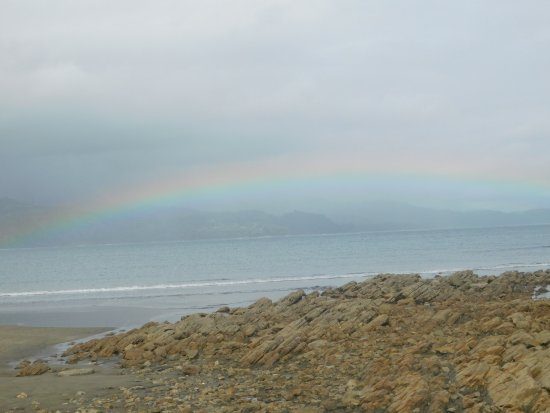 Province of Puntarenas, كوستاريكا: Rainbow near the end of the Whale's Tail