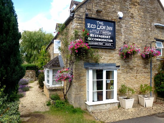 Little Compton, UK: An unspoiled Country Pub just off the A44
