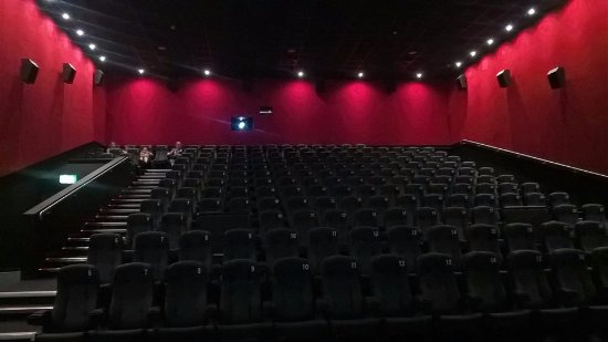 Arklow, Irland: The cinema is in the middle of a revamp, very impressed with the new seating.