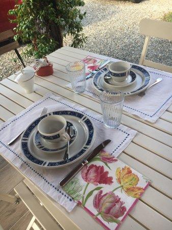 Corneliano d'Alba, Italia: Härligt och fint boende med hjärtlig och välkomnande värdinna. God frukost och fint rum.