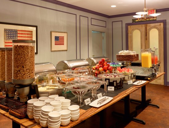 Full American Breakfast Buffet - Picture of Kendall Hotel
