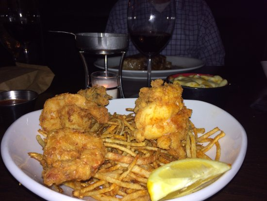 Sunset Hills, MO: Deep Fried Lobster with those delicious shoestring potatoes!