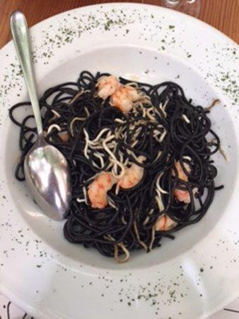 Dezaseis SL. : Spaghetti con gulas y langostinos