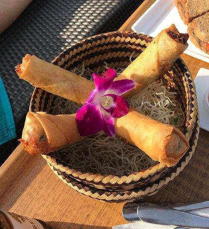 Jamahkiri Resort & Spa: Lunch at the pool