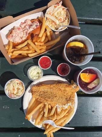 Essex, MA: Lobster roll and GF fish and chips + sangria and sweet tea
