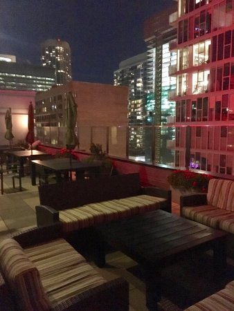 Inn of Chicago: Rooftop Lounge